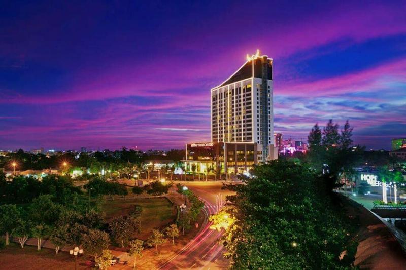 Quán tọa lạc trên tầng 21 của khách sạn Mường Thanh