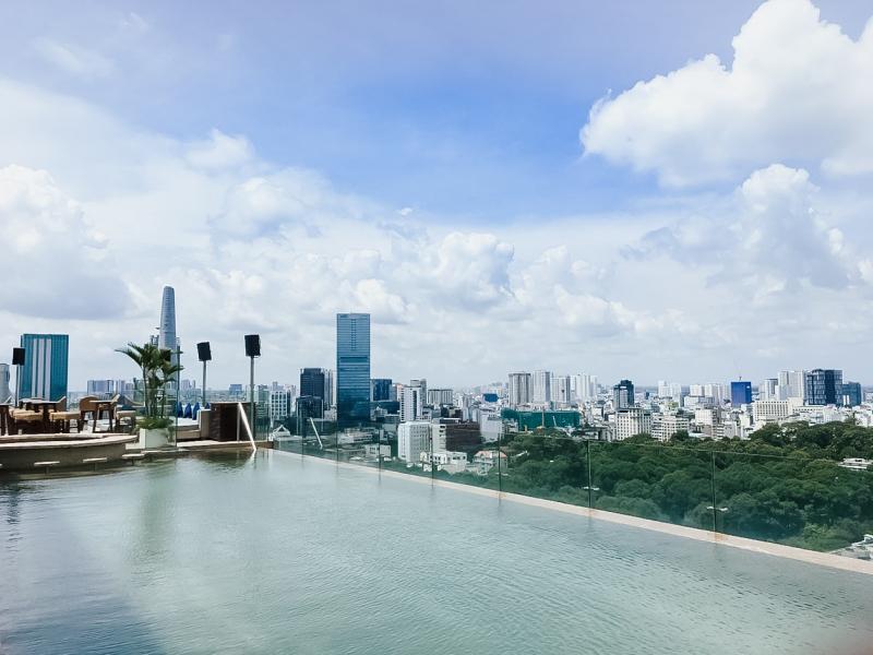 Rooftop Pool Bar – Hotel des Arts Saigon