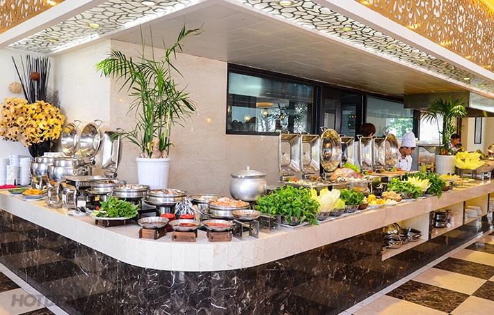 Royal Buffet được ví như thiên đường ăn uống với thực đơn cực kì phong phú