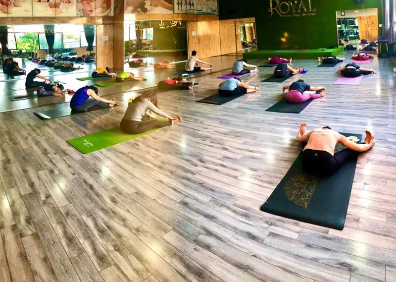 Không gian tập Yoga tại Royal Fitness Center