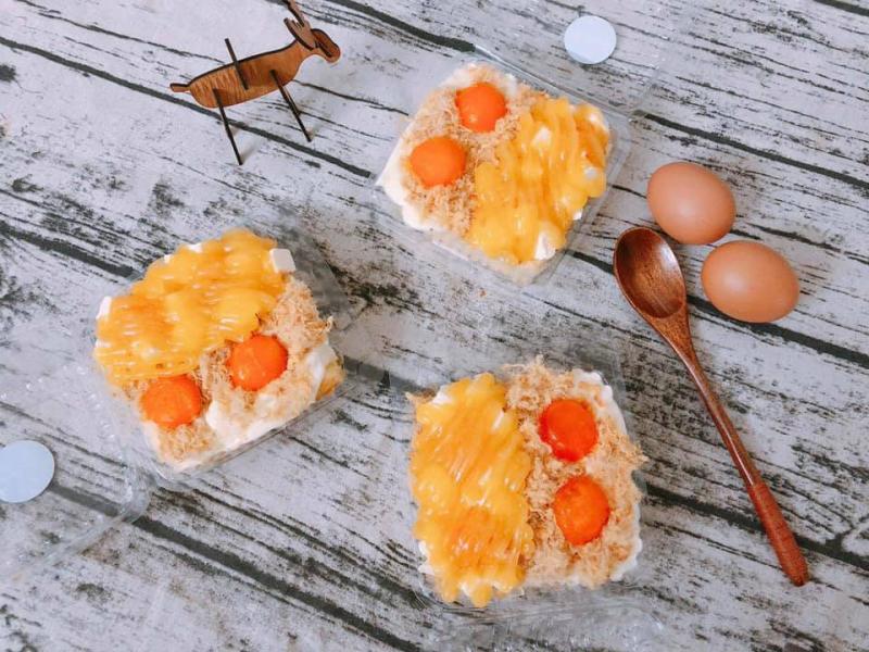 Bánh bông lan trứng muối phô mai