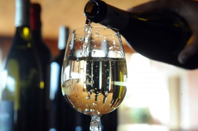 Rượu có chứa cồn sẽ gây hại với sức khỏe chúng ta
