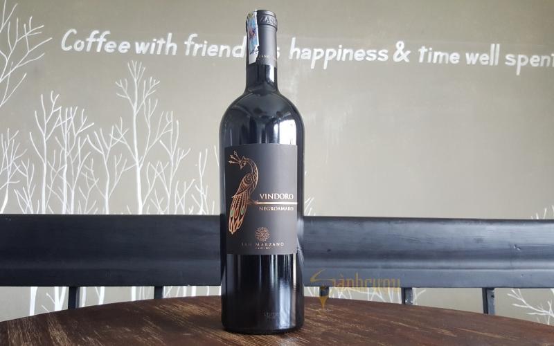 Một chai rượu vang Vindoro Negroamaro sẽ có mức chi phí là 950.000 đồng