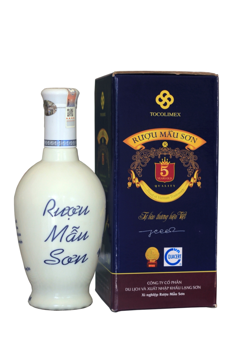 Rượu Mẫu Sơn mang đậm hương vị của núi rừng Xứ Lạng (Nguồn: Sưu tầm)