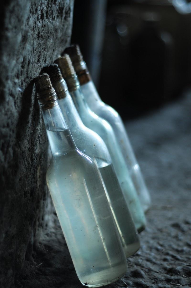 Những chai rượu ngô ngất ngây lòng người