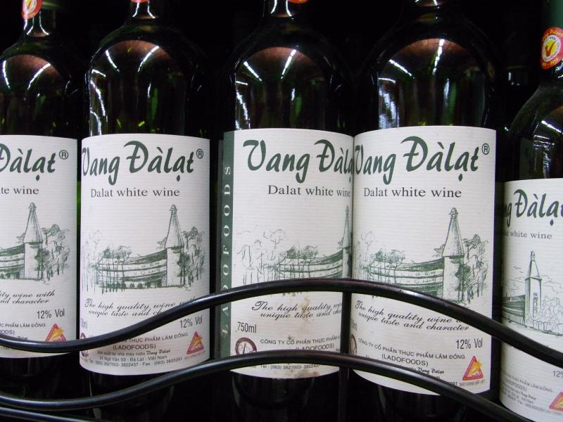 Rượu vang Đà Lạt giờ nổi tiếng chẳng kém gì các loại rượu vang khác trên thị trường (Nguồn: Sưu tầm)