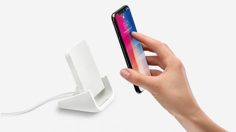Sạc không dây Logitech Powered for iPhone – Giá: 1.600.000 VND