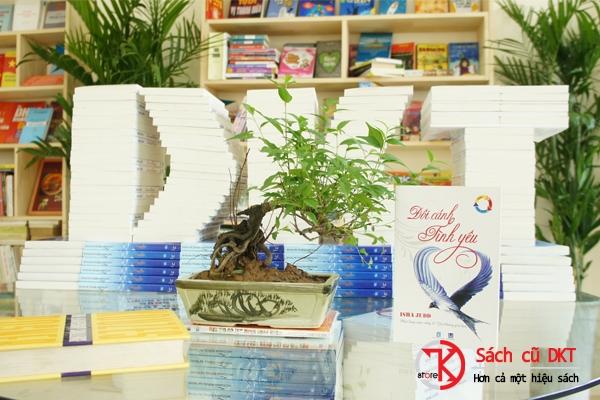 Hình ảnh của cửa hàng Sách DKT