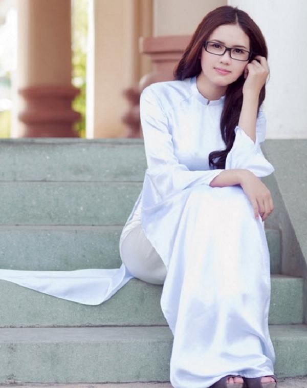 Sahra Fashion có tất cả các mẫu vải từ cổ điển đến hiện đại cho khách hàng tự do lựa chọn