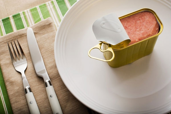 Sai lầm khi nấu ăn: sử dụng đồ đóng hộp