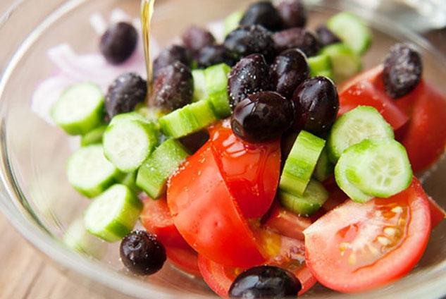 Sai lầm khi nấu ăn: loại bỏ quá nhiều năng lượng, chỉ ăn rau không