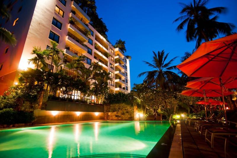 Không gian về đêm của Saigon Domaine Luxury Residences