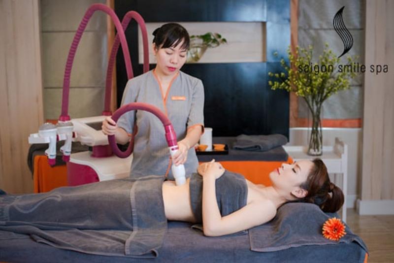 Khách hàng điều trị tại Saigon smile spa