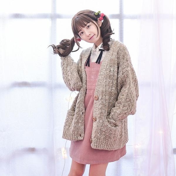 Áo len dệt kim phong cách retro lạ mắt