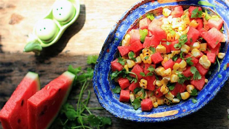 Salad dưa hấu, bắp