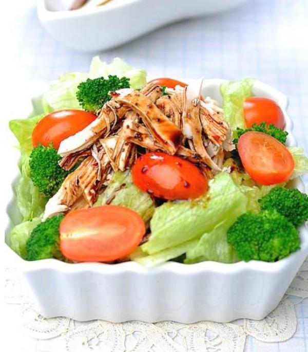 Salad thịt gà thơm ngon