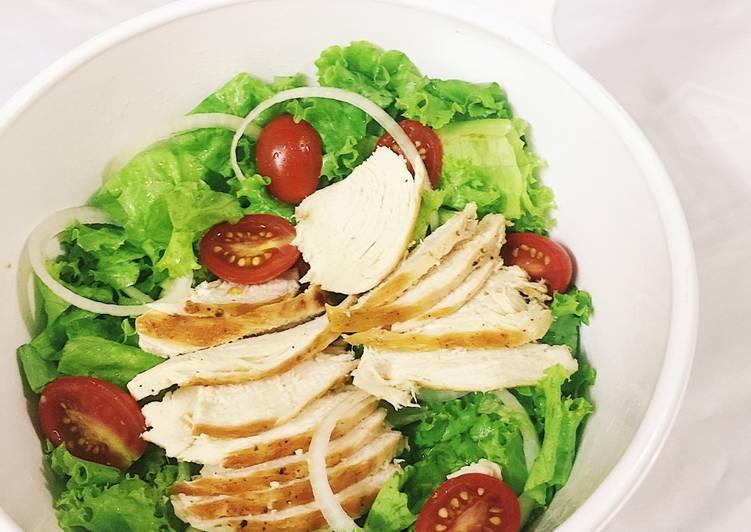 Salad gà nướng