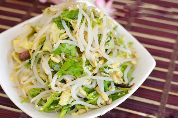 Salad giá đỗ