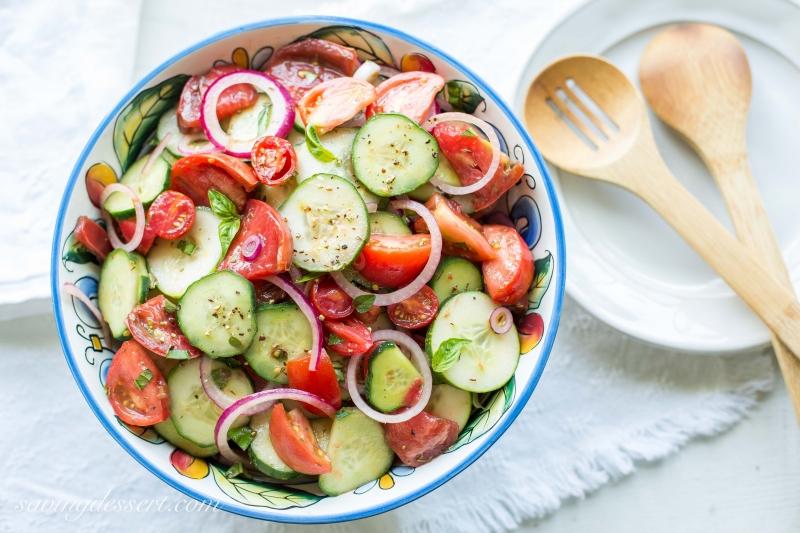 Salad rau củ luôn là món ăn tốt cho sức khỏe