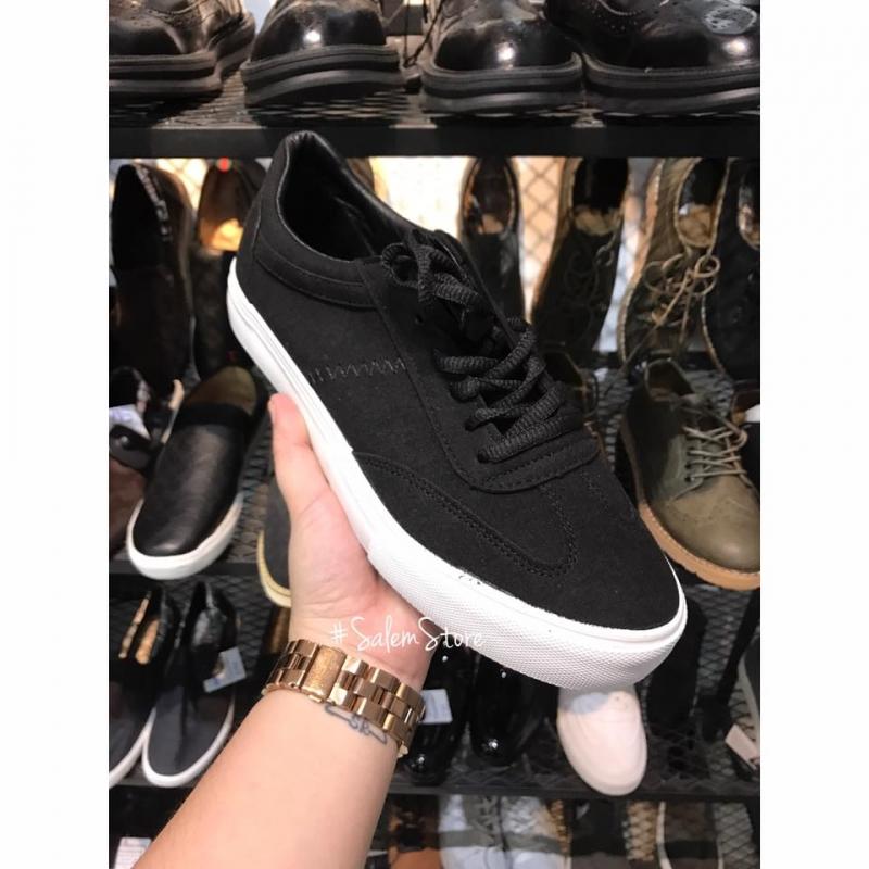 Giày nam tại Salem Store có giá: 270.000 VNĐ/đôi