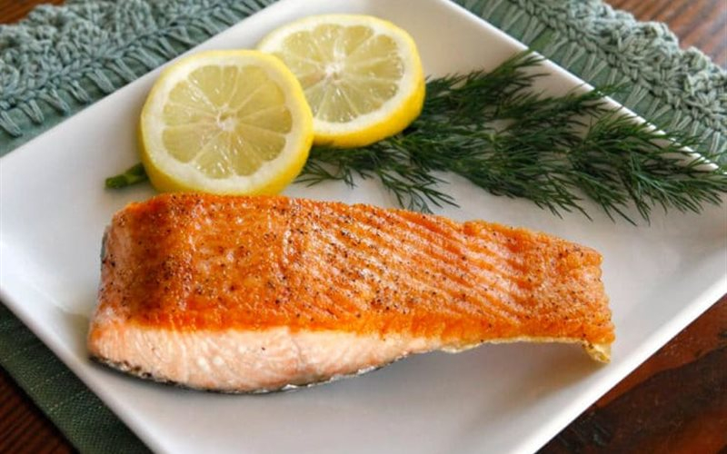 Attractive pan-fried salmon dish