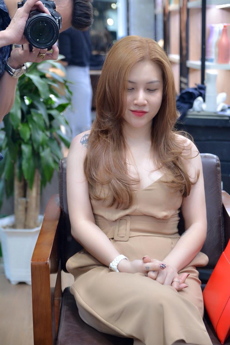 Những khách hàng xinh đẹp, rạng ngời sau khi chăm sóc tóc tại Hệ thống Salon Lê Hiếu