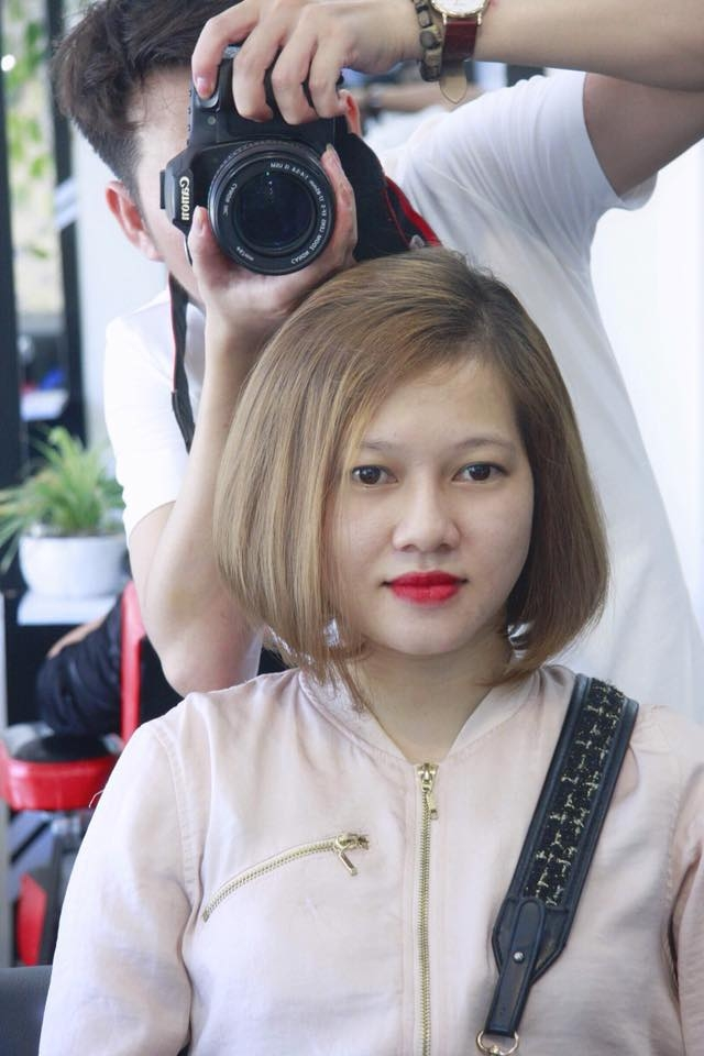 Salon Lee Hoàng