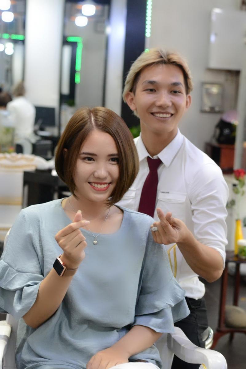 Salon Nguyễn Vàng
