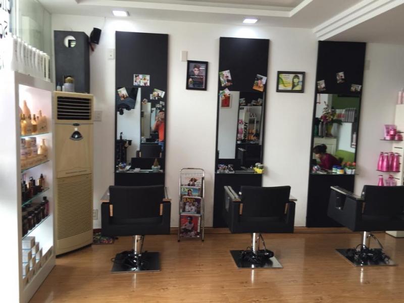 Không gian bên trong của Salon POLO Nha Trang