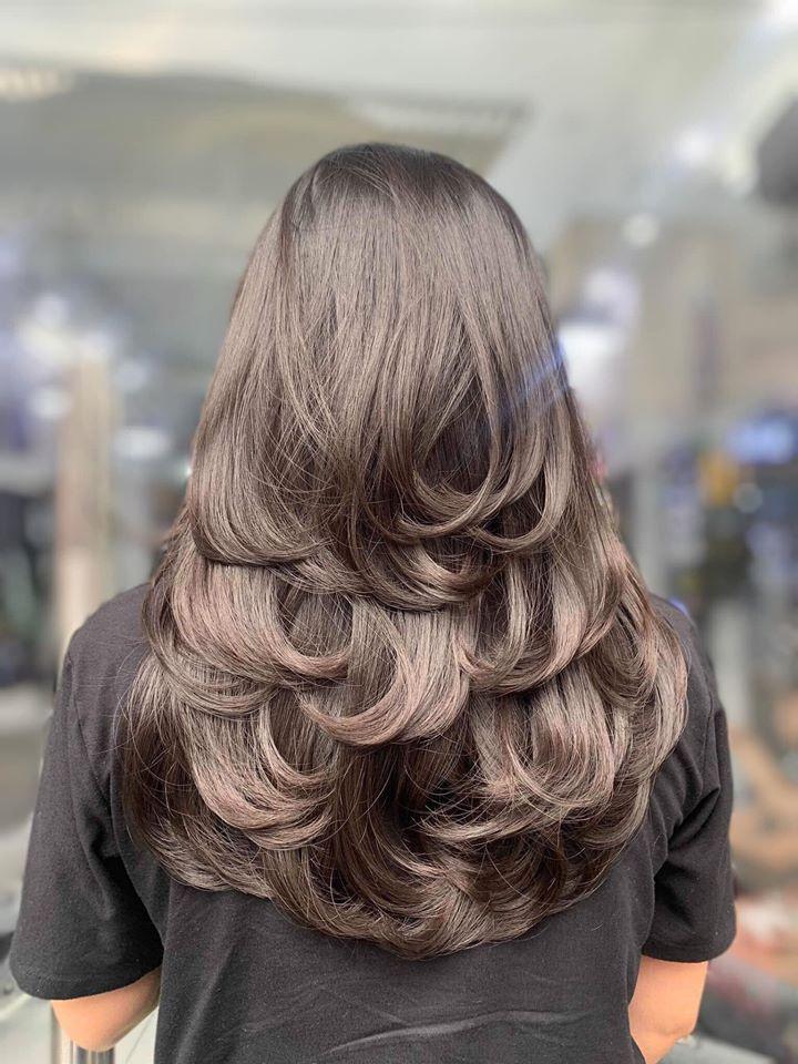 Bên cạnh đó Salon Tóc Tóc Đẹp thực hiện chính sách bảo hành tóc khi sử dụng dịch vụ tại salon