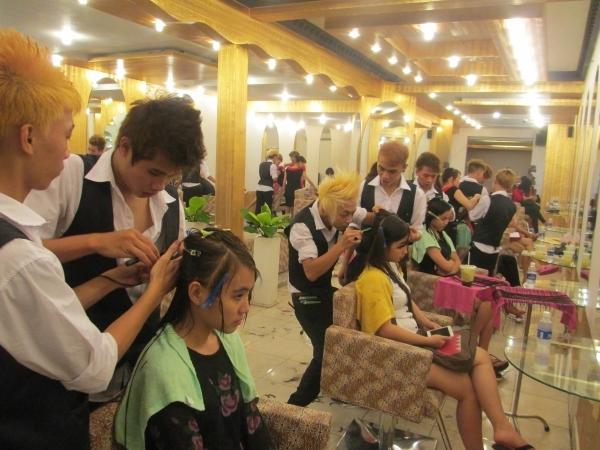 Salon tóc Văn Sáu