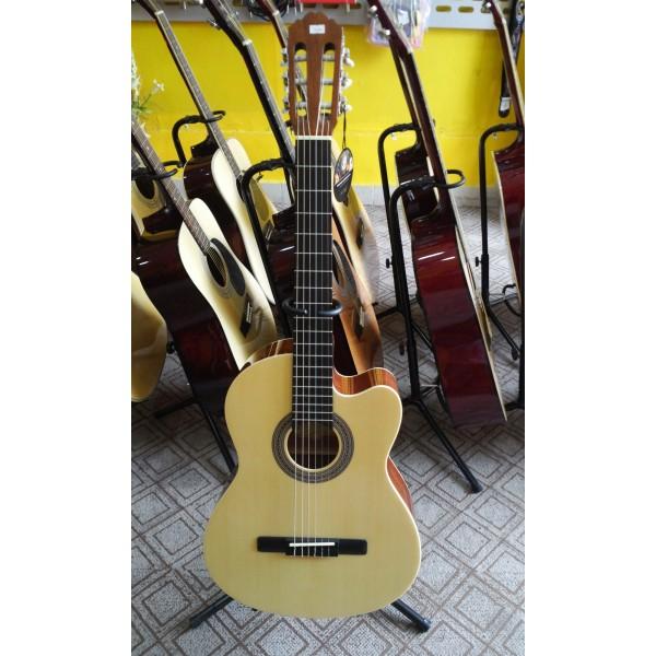 Đàn guitar Samick CNG-3 NAT là một nhạc cụ guitar đặc biệt