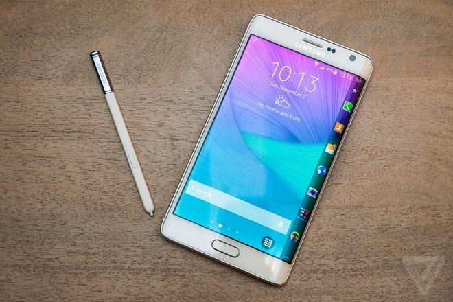 Samsung Note Edge với màn hình cong sang trọng