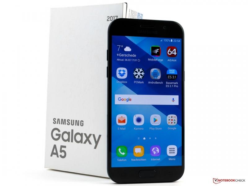 Galaxy A5 có mức giá 7.000.000 - 9.000.000 VNĐ