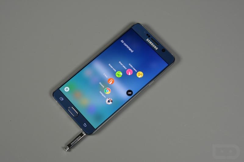 Samsung Galxy Note 5 với bút SPen tiện lợi