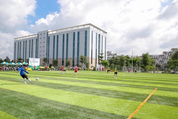 Sân bóng đá Hutech