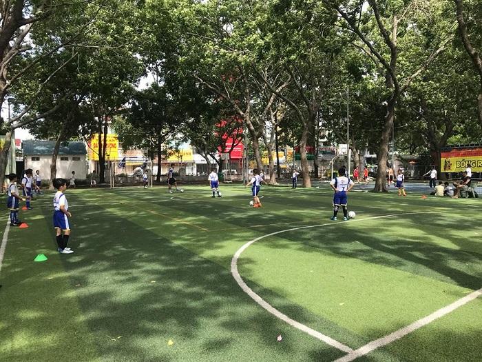 Sân bóng đá Phú Thọ