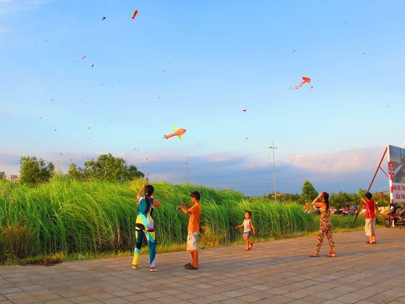 Sân diều huyện Bình Chánh buổi chiều lộng gió