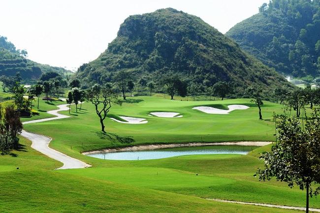 Sân golf 54 lỗ
