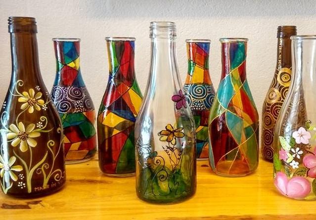 Sản phẩm lưu niệm từ vỏ chai thủy tinh