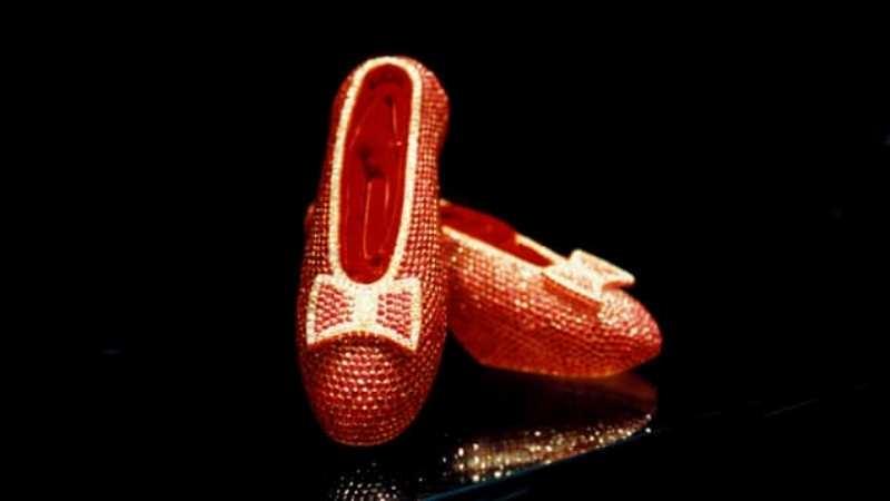 Giày ruby Harry Winston: 3 triệu USD