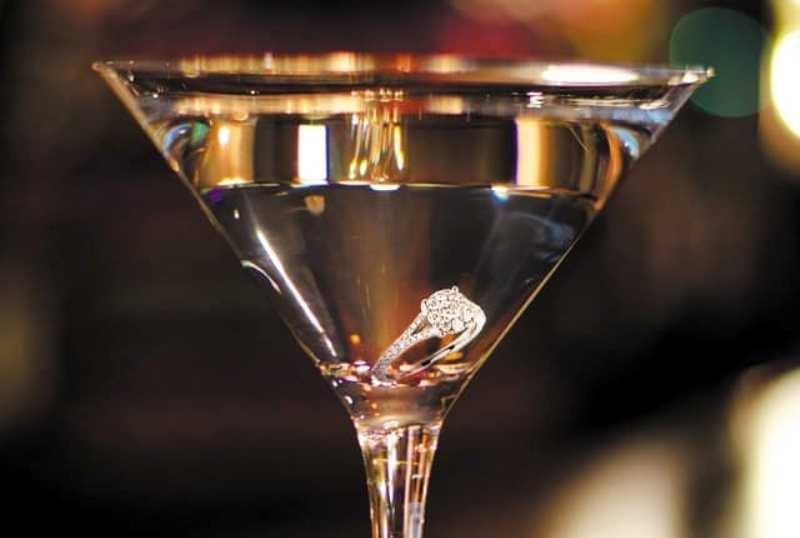 Cocktail Kim cương Martini:  10,000 USD