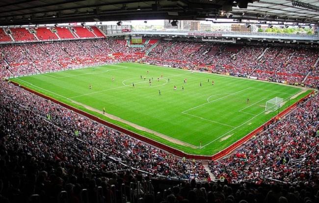 Sân vận động Old Trafford với vẻ đẹp hùng vĩ