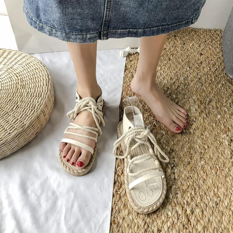 Sandal đế cói
