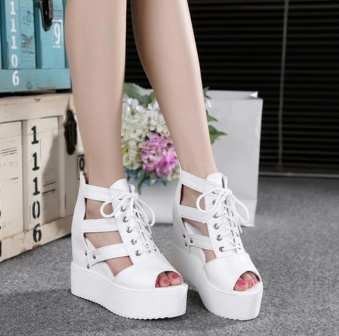 Đôi giày sandal cực chất cho những cô nàng