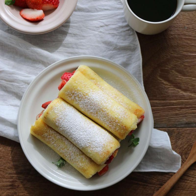 Sandwich cuộn dâu tây