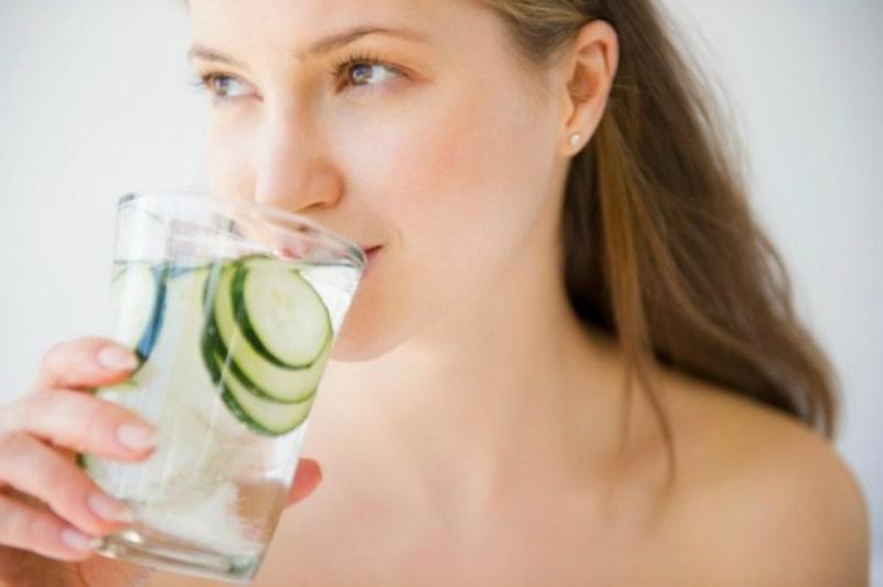 Sáng nay bạn đã uống nước chưa?