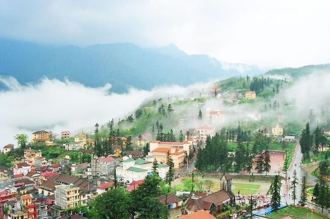 Thị trấn Sa Pa mù sương