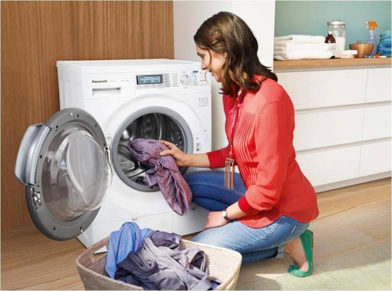 Sau khi giặt chất tẩy còn dính trên quần áo