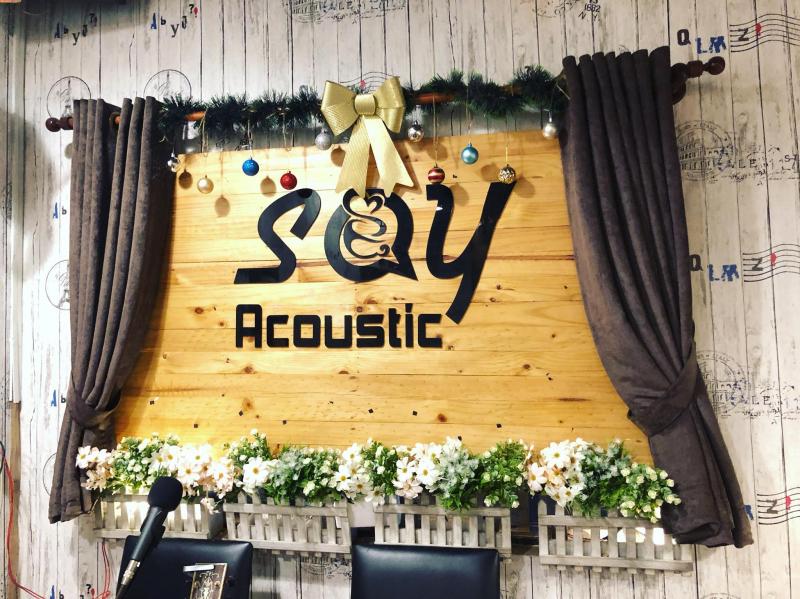 Say Cafe - đúng như tên gọi, quán sẽ khiến bạn say ngay từ lần gặp đầu tiên bởi tiếng acoustic nhẹ nhàng, du dương